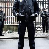 Socialdemokratiet vil betale politimænd for de 900 000 timers overarbejde de har lagt for dagen, de sidste to år.