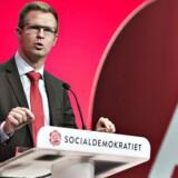 »Der må sidde kontanthjælpsmodtagere, pensionister og SU-modtagere og spekulere på, om de bliver berørt«, siger Socialdemokratiets finansordfører, Benny Engelbrecht.