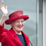 Dronningen fortæller i ny bog sin version af danskernes historie. Arkivbillede.