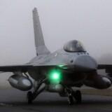Et styrket militært samarbejde med øvelser og overvågning af luftrummet over Østersøen skal hindre Rusland i at spille landene ud mod hinanden. Men adgangen til flybaser gælder kun i godt vejr.