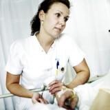 I årevis har der været massivt fokus på at undgå »forebyggelige indlæggelser«. Alligevel havner stadig flere skrøbelige ældre på sygehuset på grund af bl.a. væskemangel, viser undersøgelse.