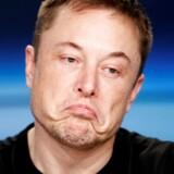 Det er særligt Teslas forventninger til indtjening og problemerne med produktionen af Model 3, der betyder, at stifter Elon Musk og Tesla ifølge prognosen »går en usikker fremtid i møde«.