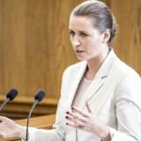Socialdemokratiets formand, Mette Frederiksen, erklærer sig nu parat til at afskaffe det såkaldte uddannelsesloft.