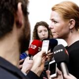 Inger Støjberg (V) åbner nu for. at der kan komme grænsekontrol ved den danske grænse.