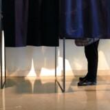 Valgdeltagelsen ved kommunalvalget har de sidste mange år ligget på 70 procent. Valgdeltagelsen til folketingsvalg er derimod på omkring 90 procent. Free/Colourbox.com