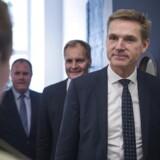 Formand for Dansk Folkeparti Kristian Thulesen Dahl, gruppeformand Peter Skaarup og gruppesekretær Martin Henriksen ankommer til mødet med regeringen om finansloven for 2018.