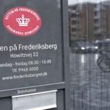 Anklageskriftet blev mandag præsenteret ved Retten på Frederiksberg. I alt tæller sagen 91 kriminelle forhold.