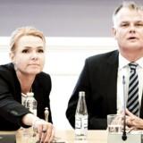 Arkivfoto: Integrationsminister Inger Støjberg undet et samråd i Folketingets indfødsretsudvalg. Til højre ses DF's indfødsretsordfører Christian Langballe.