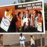 Afrika er et vigtigt marked for tobaksindustrien i takt med, at andelen af rygere bliver mindre i Europa og Asien. Billede fra Elfenbenskysten.
