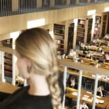 Står det til regeringen, kan studerende på de videregående uddannelser se frem til mere feedback. Billedet er fra læsesalen på Statsbiblioteket i Aarhus.