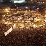 Politikerens kommentar rammer et ømt punkt i et samfund, hvor minderne om organiserede gruppevoldtægter på Tahrir-pladsen stadig er friske.
