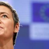 EU-kommissær margrethe Vestager drager paraleller mellem alkohol og tobak og sociale medier som Facebook.