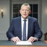Statsminister Lars Løkke Rasmussen (V) brugte som noget nyt Facebook til at løfte sløret for en del af regeringens 2025-plan. Live fra Marienborg bebudede han bl.a. skattelettelser, flere penge til velfærd samt stramninger på udlændingeområdet. Men han nævnte ikke, hvor finansieringen skal findes.