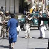 Shiamuslimsk moské i Kabul er under angreb. Der er rapporter om eksplosioner, skriver AP.
