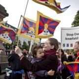 Demonstration mod Kinas menneskerettighedsovertrædelser over for Tibet på Højbro Plads i København fredag den 15. juni 2012 i forbindelse med den kinesiske præsident Hu Jintaos statsbesøg i Danmark.