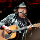 Neil Young er en af de aldrende rock-legender, der i de senere år har lagt vejen forbi Orange Scene. I 2017 har Roskilde valgt at satse på yngre kræfter.