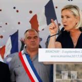 Marine Le Pen under valgmødet i byen Brachay lørdag. Reuters/Gonzalo Fuentes