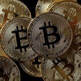 Storbank: Bitcoin-kurskrak er blandt de største trusler i 2018. REUTERS/Benoit Tessier/Illustration