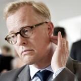 Carl Holst har i dag meddelt, at han træder tilbage som forsvarsminister