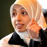 Enhedslistens tidligere folketingskandidat Asmaa Abdol-Hamid mener, at kvinder i Hjemmeværnet må bære tørklæde.