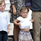 De nye kongelige tvillinger får et par søskende, der allerede er erfarne i livet somen kongelig højhed.Følg Prins Christian og Prinsesse Isabellasførste åri billeder.
