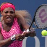 Det var ren magtdemonstration, da Serena Williams fredag aften spillede sig videre til finalen i US Open.