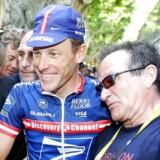 Den detroniserede Tour-konge Lance Armstrong og Robin Williams udviklede et varmt venskab og den nu afdøde komiker elskede at være på fransk visit. Her under Tour de France i 2004.