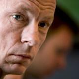 Dansk Folkepartis Christian H. Hansen, der er formand for folketingets socialudvalg, vil have Mikkel Warming til at trække sig som socialborgmester.