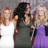 Spice Girls deltager i åbningen af en ny Virgin Atlantic terminal i Heathrow lufthavnen den 13. december. To dage senere påbegynder de deres turne, som starter i London. Foto: AFP/Carl de Souza