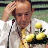 Forhandlingerne på FN's klimakonference tog hårdt på klimachef, Yvo de Boer, der brast i gråd under de afsluttende forhandlinger.