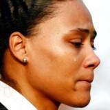 Marion Jones fældede en ægte tåre, da hun i oktober indrømmede at have brugt sterioder på sin vej mod olympisk hæder. (foto: Mike Segar/REUTERS)