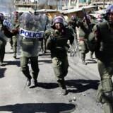 Store politistyrker blev sat ind mod protesterende.
