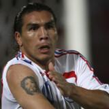 Savador Cabanas i landsholdstrøjen efter en af sine mange scoringer.