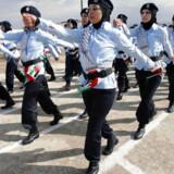 Medlemmer af de palæstinensiske politistyrker efter endt eksamen. En uddannelse Danmark støtter.