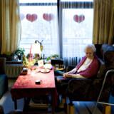 95-årige Edith Hedan på sit godt 14 kvm. store værelse på plejecentret Baunehøj. »Boligerne er for små til vor tids mennesker,« siger hun.