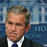Nye oplysninger rejser tvivl om præsident Bush's forklaringer om Irans atomvåbenprogram.