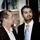 Den danske imam Abdul Wahid Pedersen (tv.) var med, da afhopperen fra Hizb ut-Tahrir Maajid Nawaz søndag deltog i et debatmøde om bl.a. demokrati i København.