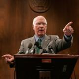 Som formand for Senatets retsudvalg tordner demokraten Patrick Leahy mod »ulovligheder og inkompetence« i Bush-administrationen.