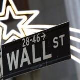 Julestemning på Wall Street i New York, hvor byens fondsbørs hører hjemme.