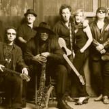 Bruce Springsteen og hans E Street Band er på gaden med nyt album.