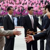 Ved et historisk møde krydsede Sydkoreas præsident grænsen til Nordkorea. Foto: AFP