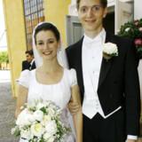 Det tilsyneladende eneste officielle foto af Robert Mærsk Uggla er fra hans bryllup