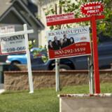USAs boligmarked er presset. Striben af renteforhøjelser fra centralbanken har sendt chokbølger gennem markedet pga. overbelåning, misligholdte lån og opbremsning i salget. Det truer med at smitte af på resten af USA og dermed den globale økonomi. Foto: Mark Avery/Reuters