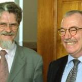 De herrer Lykketoft (tv) og Ellemann (th) har været i politik i en menneskealder.