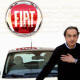 Den nye Fiat 500 og topchefen for Fiat -gruppen Sergio Marchionne, der på mirakuløs måde har vendt Fiat-gruppens enorme underskud til overskud.  Foto: AFP