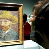 Efter ti års studier af Vincent van Gogh har to tyske kunsthistorikere opbygget en kontroversiel teori.