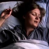 Flere kvinder snorker.