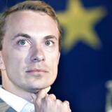 Nu kan den danske løsgænger i Europa-Parlamentet, Rikke Karlsson, måske få svar på nogle af de spørgsmål, der førte til hendes exit fra Dansk Folkeparti i sidste måned.