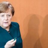 Angela Merkel fordømmer angrebet i London i en skriftlig kommentar.