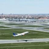 Arkivfoto. Regeringen vil tvinge Københavns Lufthavn til at sænke flyselskabernes pris for at bruge lufthavnen